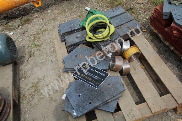 Броня смесителя, кольца уплотнительные узла герметизации, ролики рельс скипа смесителя, болты крепления футеровки